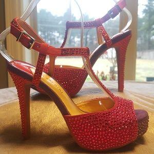 Like new Gianni Bini Evening heel Size 6.5 M